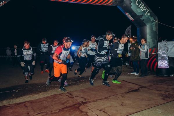 Тысяча новосибирцев испытала свои возможности сегодня ночью на полигоне в Кольцово