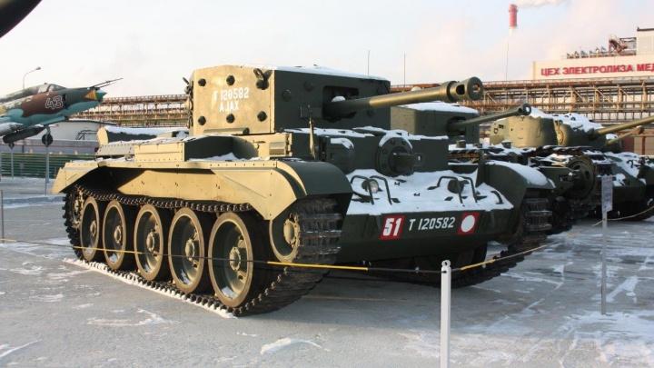 В Верхнюю Пышму привезли два заграничных танка