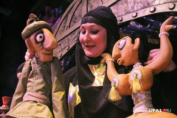 Не хотите сходить на кукольный спектакль для взрослых?