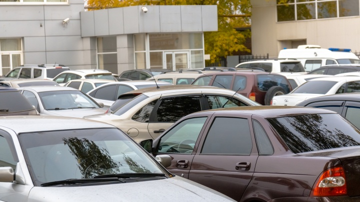 Бюджетные места и стоянка по часам: изучаем, как в Самаре будут бороться с нехваткой парковок