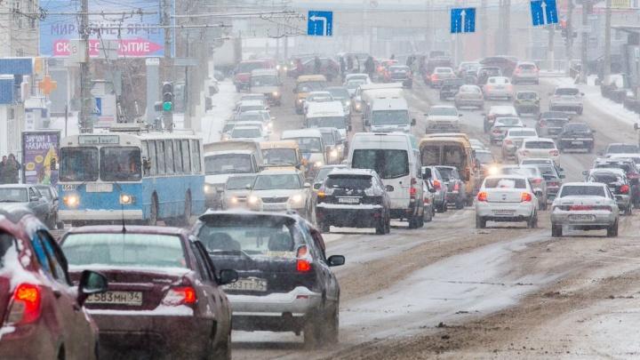 «15 человек на сундук мертвеца!»: волгоградские таксисты начинают всероссийскую забастовку