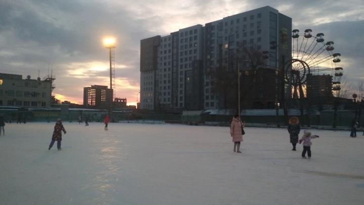 Скользкий путь: где и за сколько в Челябинске покататься на катках