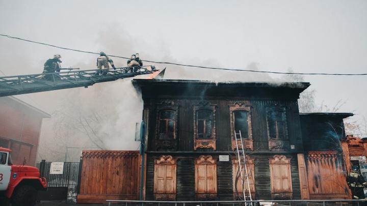 Губернатор Моор пообещал восстановить сгоревшую мастерскую реставратора Шитова