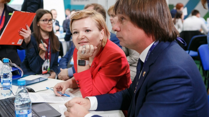 Топ-менеджеры пяти новосибирских компаний получили по миллиону и выиграли конкурс управленцев России