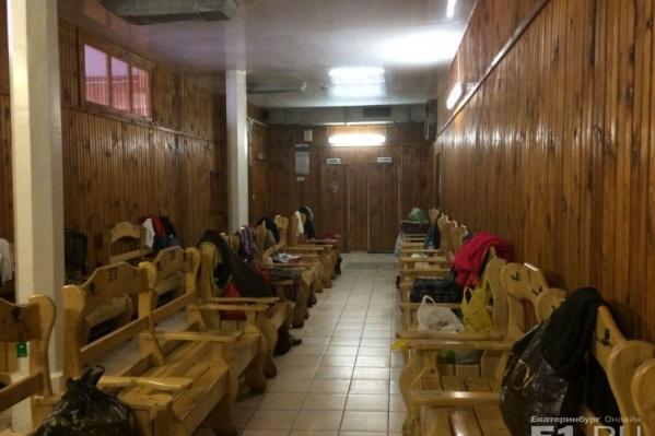Так изнутри выглядела одна из раздевалок старейшей общественной бани Екатеринбурга на Куйбышева, 42