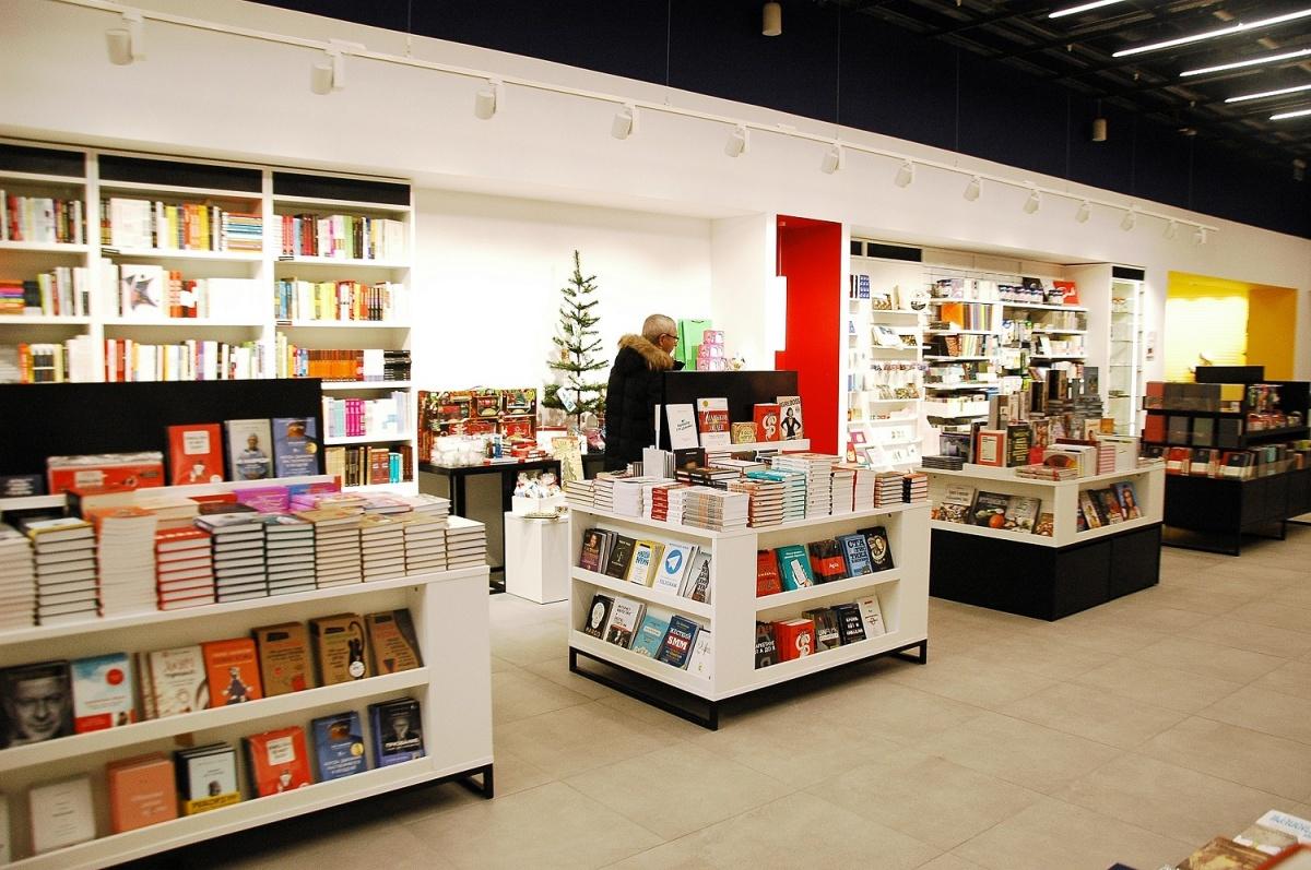 Новогодний рай для интроверта  место, где торгуют редкими книгами и  виниловыми пластинками 70a31dc4243