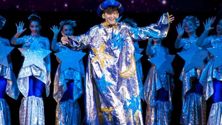 Фокусы и невероятный цирк: на главную елку Новосибирской области открыли продажу билетов