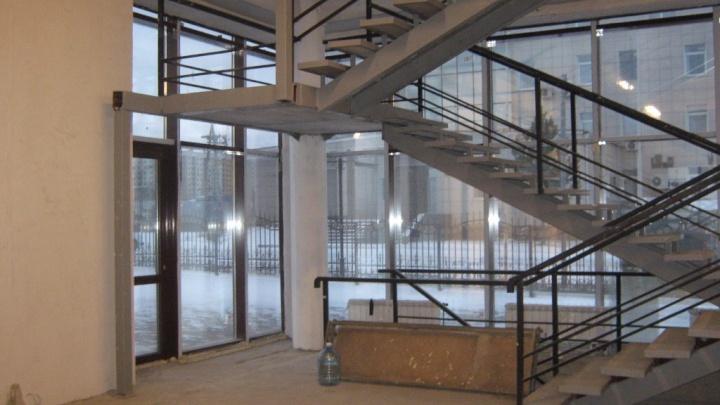 Рядом с ТЦ «Зеленый» достроили бизнес-центр и продают за 110 миллионов