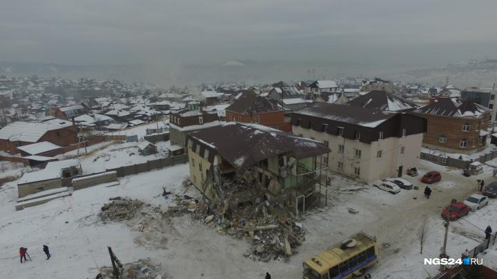 «Остатки строения под снос»: облетаем сверху дом на Кандагарской