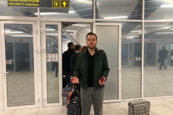 Новосибирские таможенники арестовали скрипку знаменитого скрипача Михаила Симоняна и сорвали ему концерт в Северной Корее