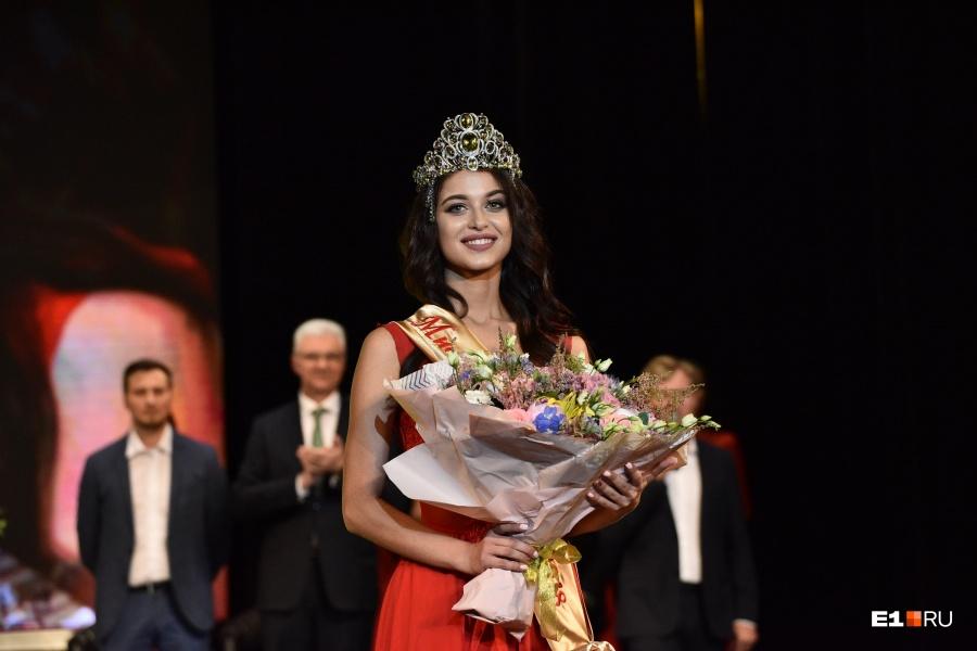 Арина Верина в день победы на конкурсе «Мисс Екатеринбург — 2018»