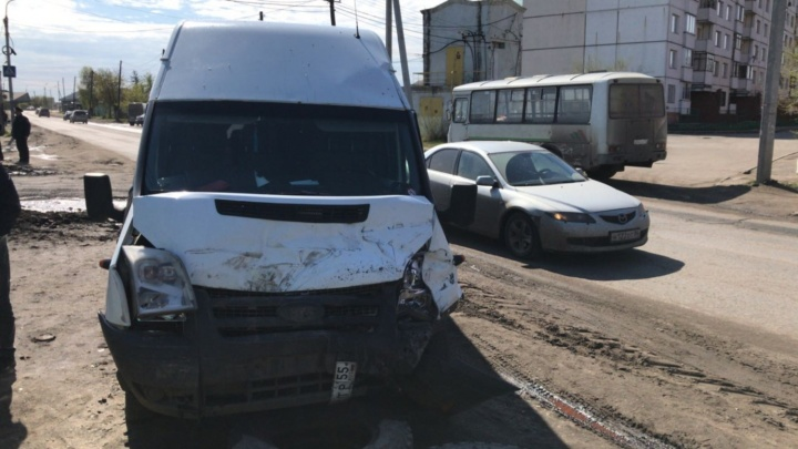 В Порт-Артуре пять человек пострадали в ДТП с маршруткой