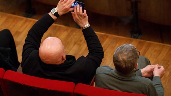 «Все готово»: депутаты Волгоградской облдумы расскажут о своих доходах в последний раз