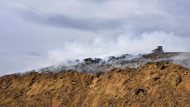 «Магнит» пообещал 100 тысяч рублей за информацию о поджигателях свалки в Кировском округе