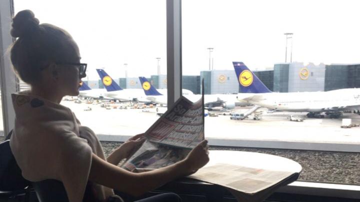 «Люди вынуждены нарушать закон»: депутаты решили вернуть курилки в российские аэропорты