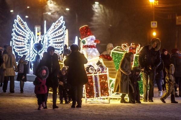 Горожане имеют возможность потратить на подарки менее 10 000 рублей