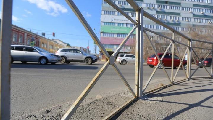 Депутат усомнился в пользе снова ставить заборы у дорог за 20 миллионов. Вы считаете их полезными?