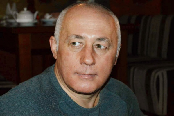 Вадим Голованов окончил экономический факультет и успел поработать финансистом