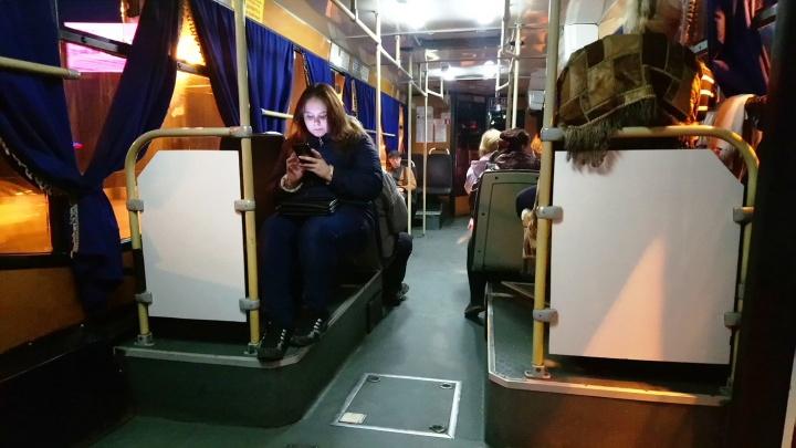 В омских автобусах начали подключать отопление