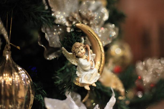 Деда Мороза нередко просят о необычных подарках, например, положить под ёлку металлоискатель для поиска кладов