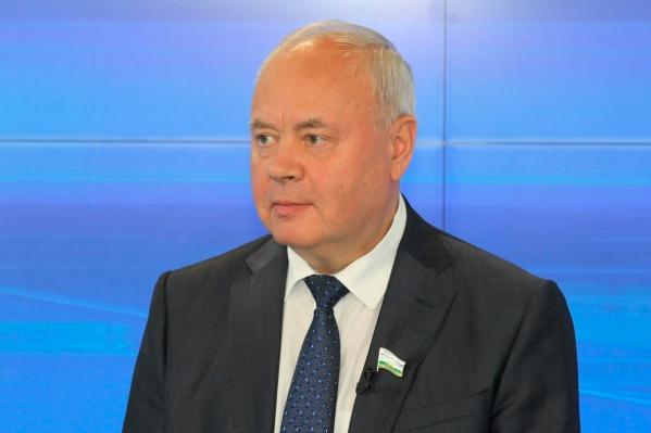 Депутат Константин Толкачёв высказал своё мнение о налоге на бездетность, но общественного одобрения не встретил