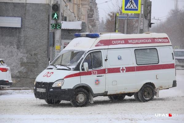 Детей на скорой увезли в больницу