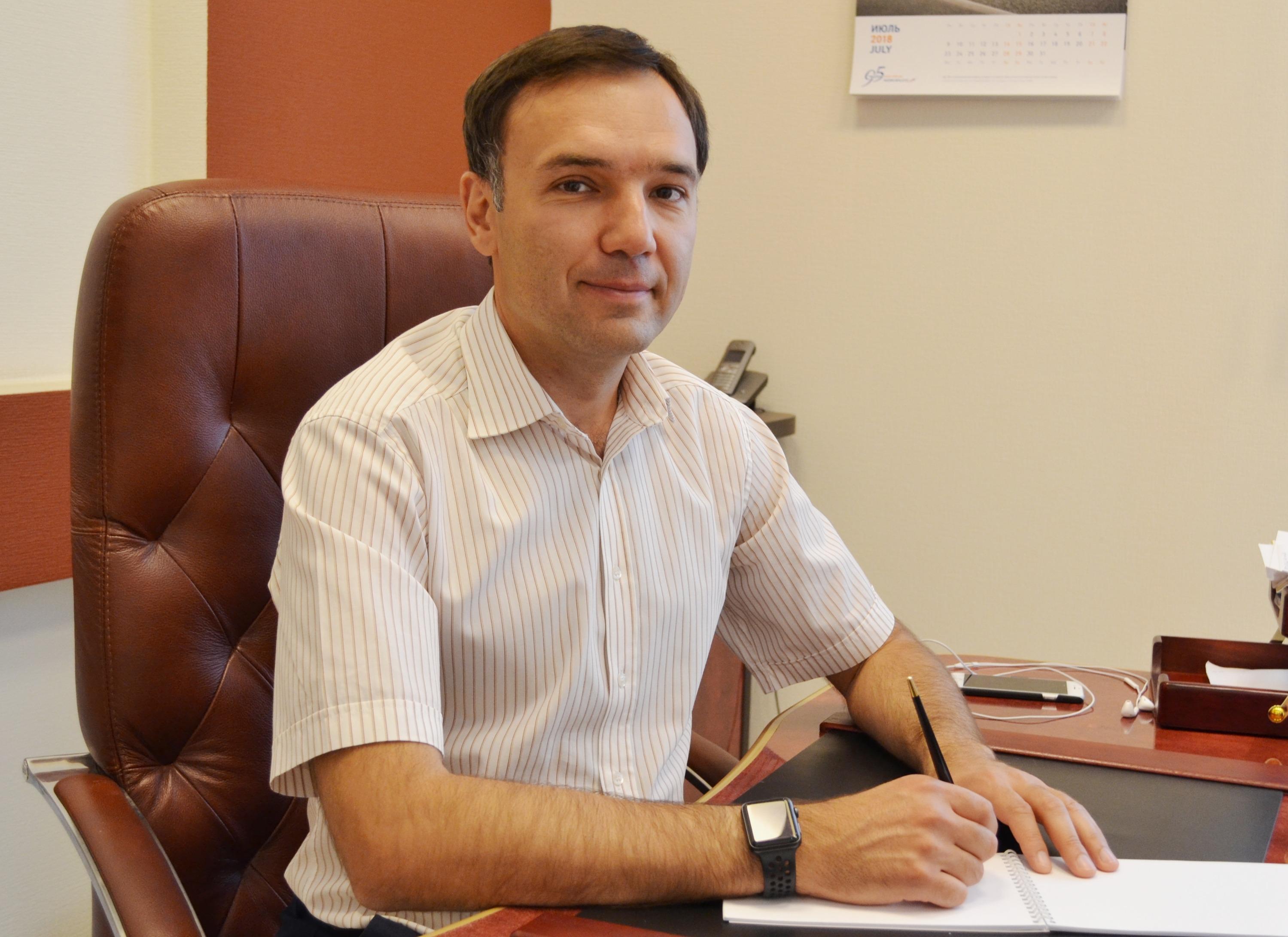 Василий Борщ сам продолжает пользоваться банковскими картами, несмотря на санкции