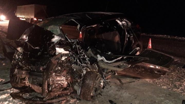 Аварии на трассах, столкновение со скорой и конфликт с ГИБДД: подборка дорожных видео в Тюмени