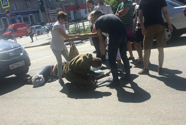 Автомобилистка сбила беременную челябинку с матерью в центре города