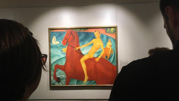 Купаем красного коня в прямом эфире: в Екатеринбурге презентовали знаменитую картину Петрова-Водкина