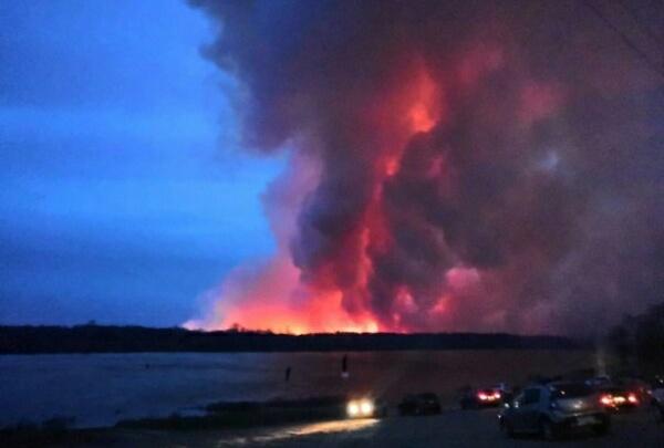 Языки пламени застилали все небо: на полях под Уфой вспыхнул сильнейший пожар