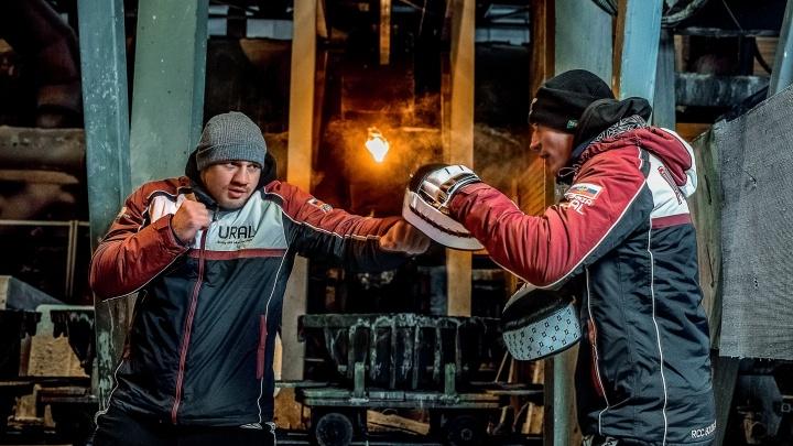 Променяли ринг на заводской цех: бойцы без правил устроили поединок у медеплавильной печи