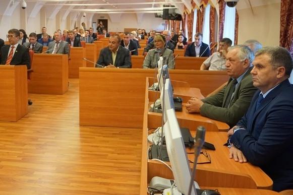 Депутаты Илья Круглов и Яков Якушев не пришли на первое заседание областной думы