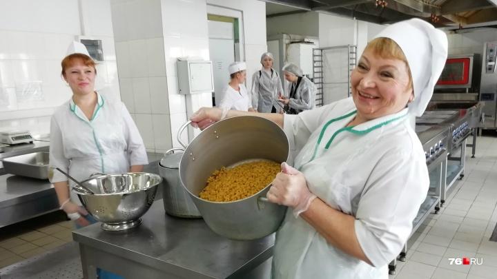 «Пусть попробуют сами»: в Ярославле в школьных столовых родителям покажут, чем кормят детей