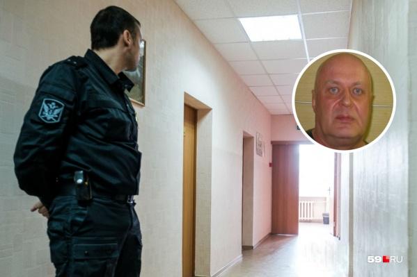 Уголовное дело на Ваганова завели в 2014 году, его осудили, но в 2016 году оправдали. За время преследования он потерял бизнес и невесту