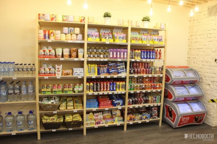 Полки с заморскими сладостями в «Продукто!»