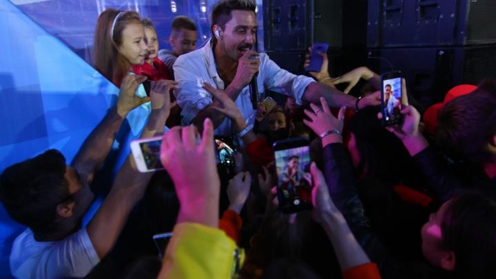 Дима Билан решил, чем компенсирует свое пьяное выступление на Дне города в Самаре