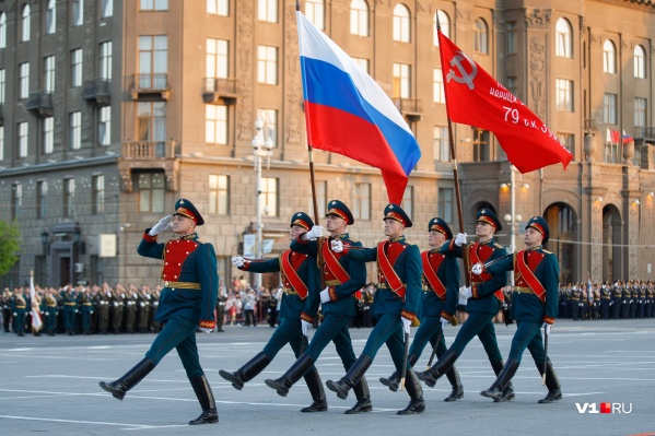 Перед главным выходом на площадь военные проведут три репетиции в центре Волгограда