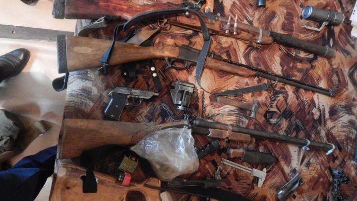Во дворе частного дома в Далматовском районе найдено самодельное оружие