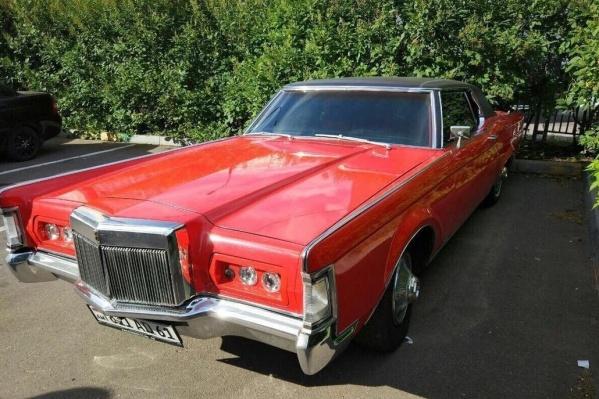 За такой «дредноут» Lincoln Mark III просят 2,1 миллиона рублей