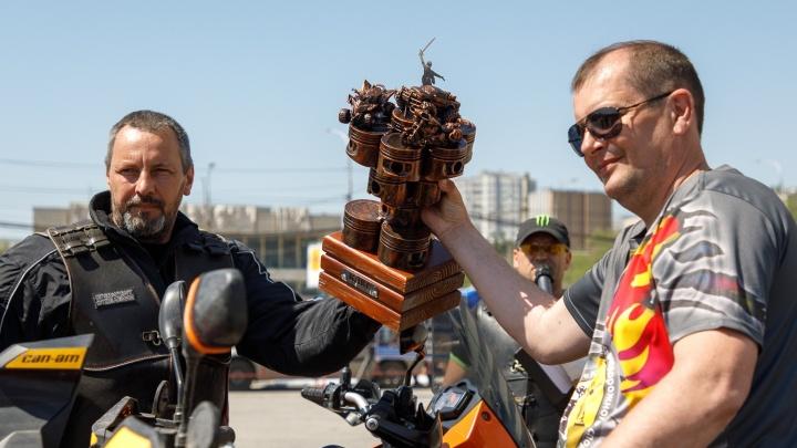 Сначала храм, потом — шашлыки: байкеры откроют мотосезон в Волгограде