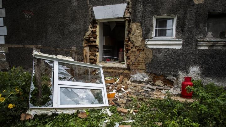 Фото: последствия разрушительного взрыва газа в двухэтажке