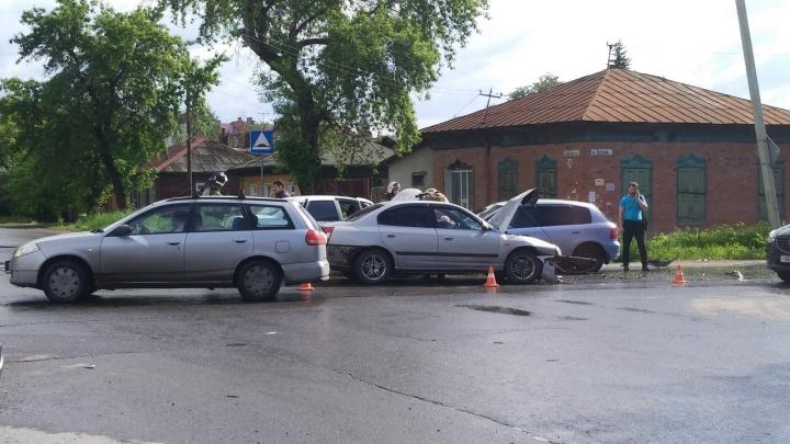 Появилась запись аварии на Звездова, в которой пострадала 18-летняя девушка