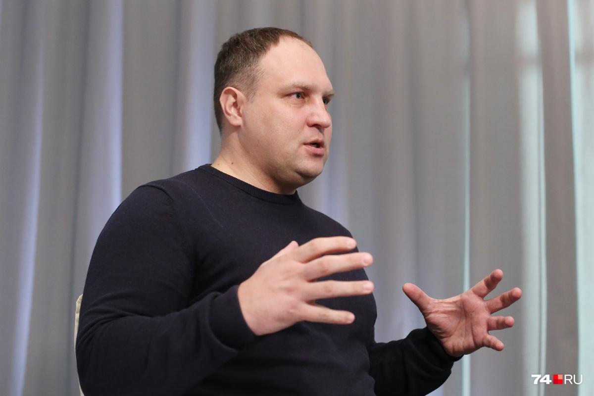 Виталий Курятников подчеркнул, что за экологию отвечают восемь ведомств