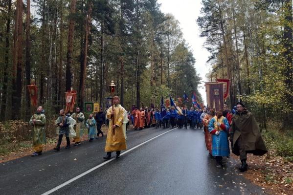 Возглавил молитвенное шествие митрополит Кирилл