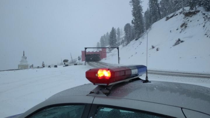 Трассы на юге края завалило снегом