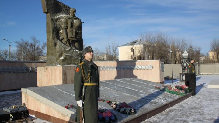 «И не каждый был снаружи прекрасным»: в Волгограде почтили память 503 погибших в Чеченской войне