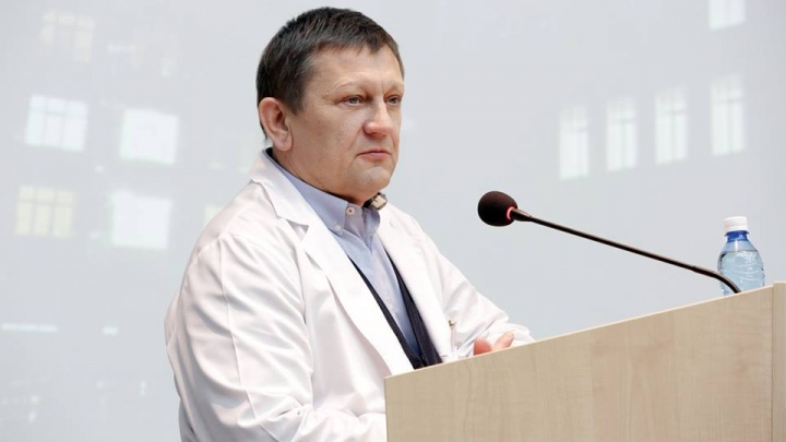 Минздрав уволил Караськова с должности директора клиники Мешалкина