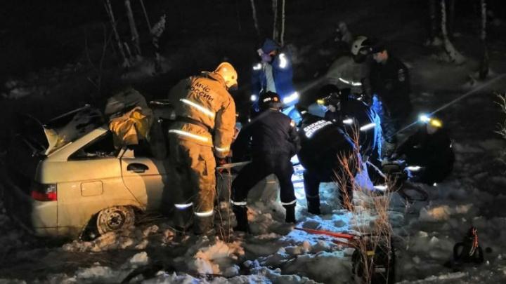 Под Нижним Тагилом при столкновении лесовоза и ВАЗ-2112 погибли два грудных ребенка