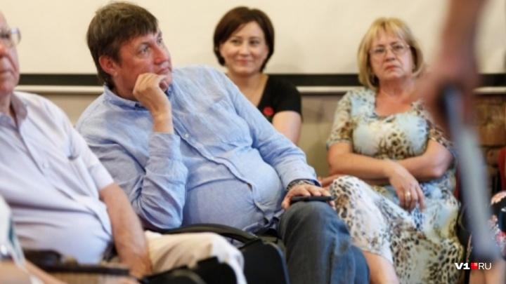 «Вопрос к прокуратуре и суду»: волгоградские депутаты не нашли аморальщины в речи коллеги о НЭТе